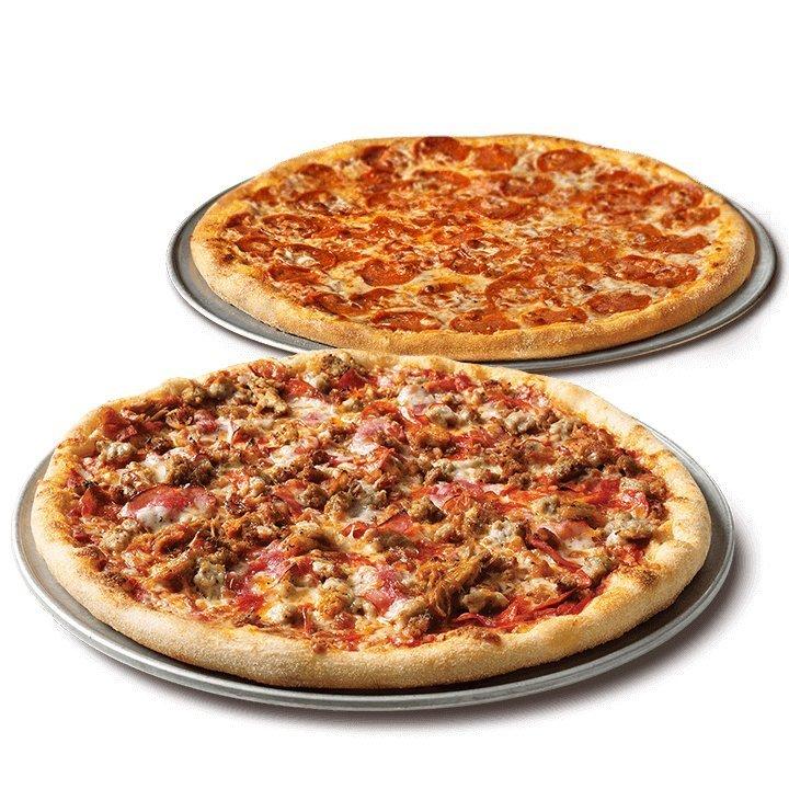 Две пиццы (классическая + смачная курочка)