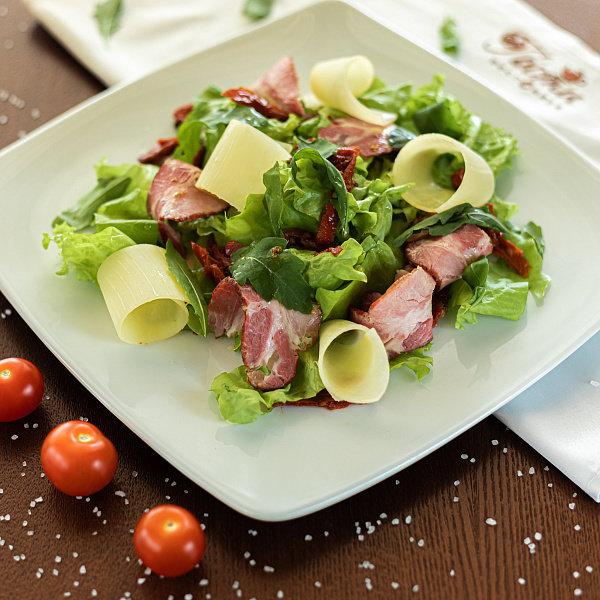 Салат из пастромы